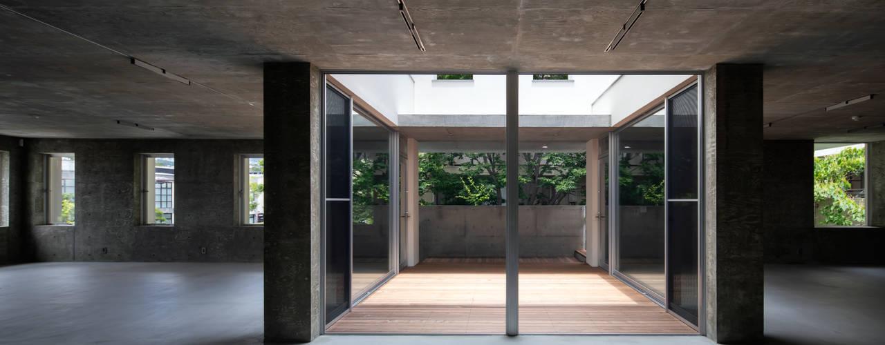 西宮N モダンな 窓&ドア の 井上久実設計室 モダン