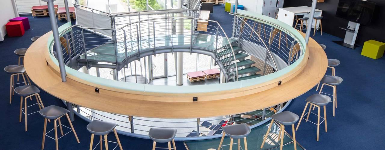 MTU Foyer Innobox 2.0:  Bürogebäude von _WERKSTATT FÜR UNBESCHAFFBARES - Innenarchitektur aus Berlin,Modern