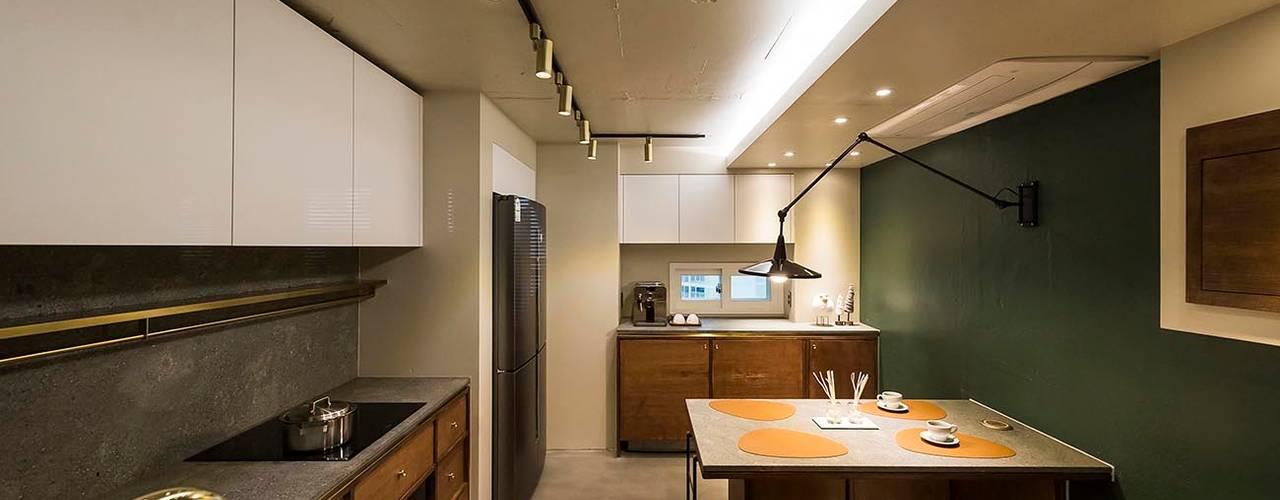 용인 수지구 U 아파트| Residence 모던스타일 주방 by 므나 디자인 스튜디오 모던
