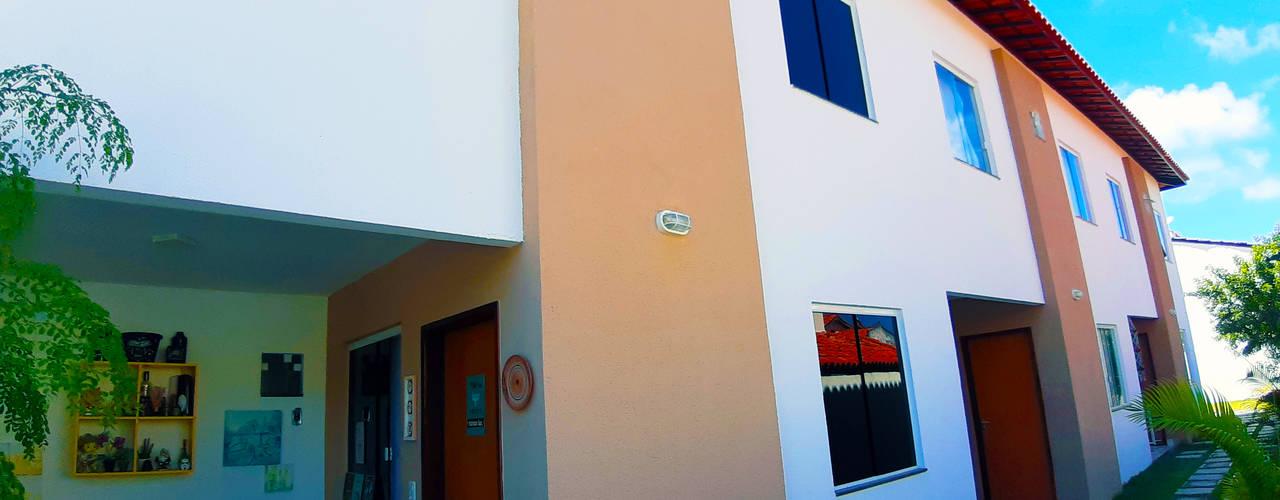 """Projeto de apartamentos com 2 pavimentos, em condomínio fechado, com área de lazer, com quiosque com churrasqueira.:  {:asian=>""""asiático"""", :classic=>""""clássico"""", :colonial=>""""colonial"""", :country=>""""campestre"""", :eclectic=>""""eclético"""", :industrial=>""""industrial"""", :mediterranean=>""""Mediterrâneo"""", :minimalist=>""""minimalista"""", :modern=>""""moderno"""", :rustic=>""""rústico"""", :scandinavian=>""""escandinavo"""", :tropical=>""""tropical""""} por ARQ-PB Arquitetura e Construção,"""