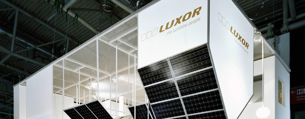 ROXUL. Messestand für einen Hersteller von Solarmodulen von AMUNT Architekten in Stuttgart und Aachen Ausgefallen