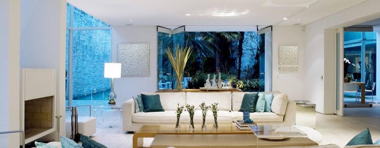 Salon moderne par Alexander Congonha Moderne