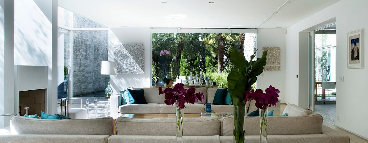 Modern living room by Alexander Congonha Modern