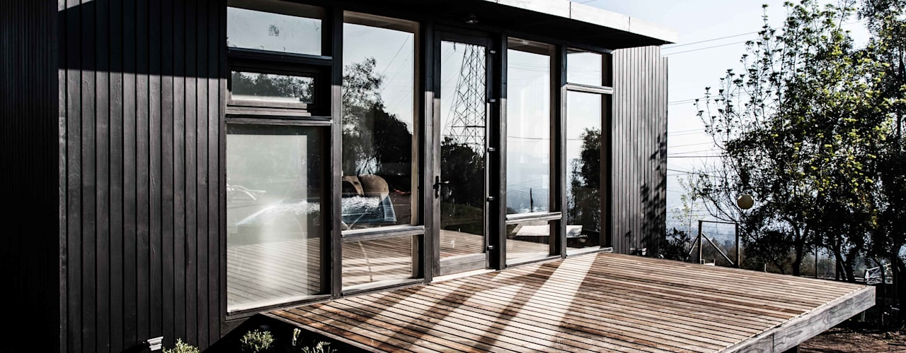 Estudio / Casa de invitados Lo Cañas Balcones y terrazas modernos de MACIZO, ARQUITECTURA EN MADERA Moderno