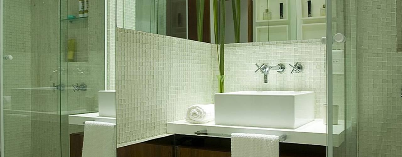 Apartamento MCN Viviane Cunha Arquitetura Casas de banho modernas