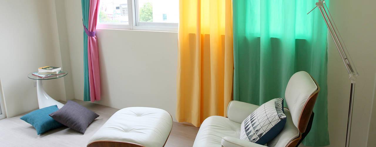高彩度的自在居家,讓窗簾也能營造主色調|Donzu 拼色布簾.布簾 / 門簾 / 隔間簾 || Donzu - Assorted Colors Curtain.DIY Installation 根據 MSBT 幔室布緹 北歐風