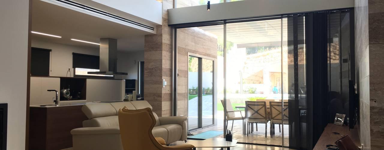 ANin DYOV STUDIO Arquitectura, Concepto Passivhaus Mediterraneo 653 77 38 06 ComedorAccesorios y decoración Mármol Beige