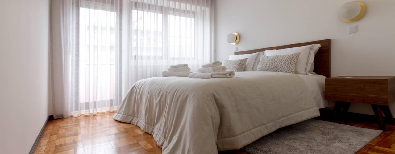 Decoração estilo industrial de um apartamento T3 - Aveiro Quartos industriais por EMME Atelier de Interiores Industrial