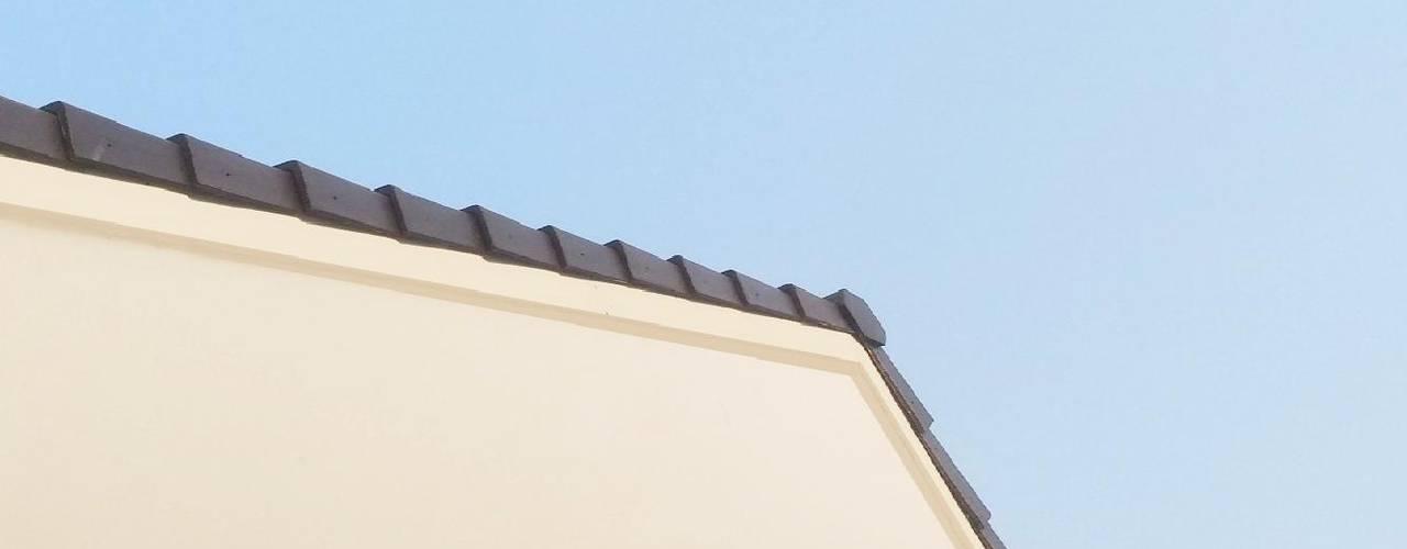 Roof ADEA Studio Atap landai