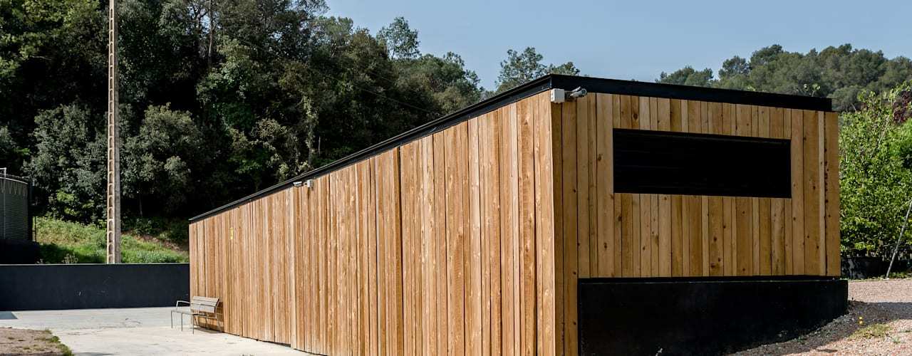Caseta de campo de estilo nórdico minimalista para Santa&Cole de Esteve Arquitectes Escandinavo
