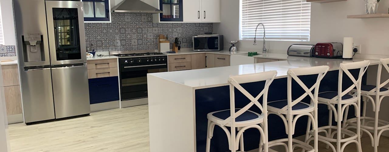 Renovation of a Parkview home Modern kitchen by CS DESIGN Modern