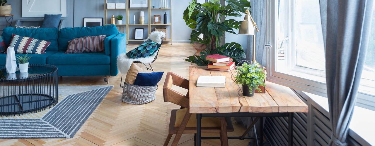2BHK Project Juhu Minimalist living room by Rebel Designs Minimalist