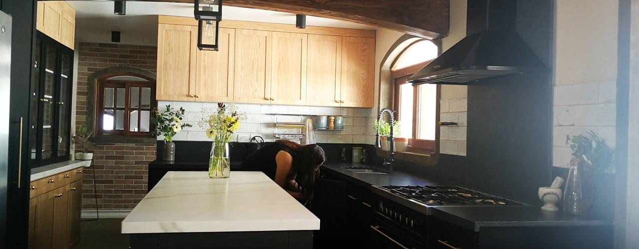 Remodelación cocina Lomas de lo Aguirre de Lagom Studio