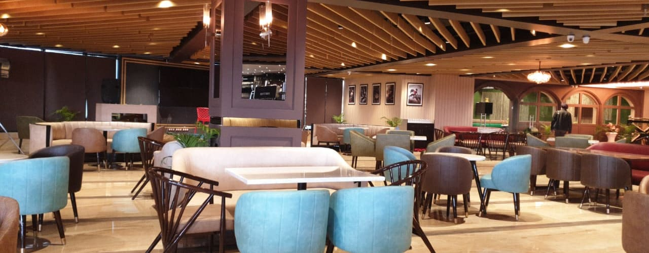 16000 square feet Restaurant in Lucknow Modern bars & clubs by HC Designs Modern