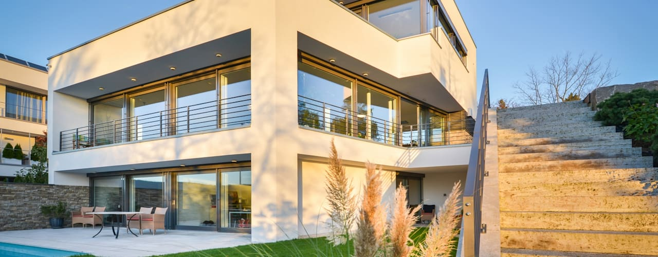 Moderne Flachdachvilla am Hang über Wiesbaden von Avantecture GmbH Modern