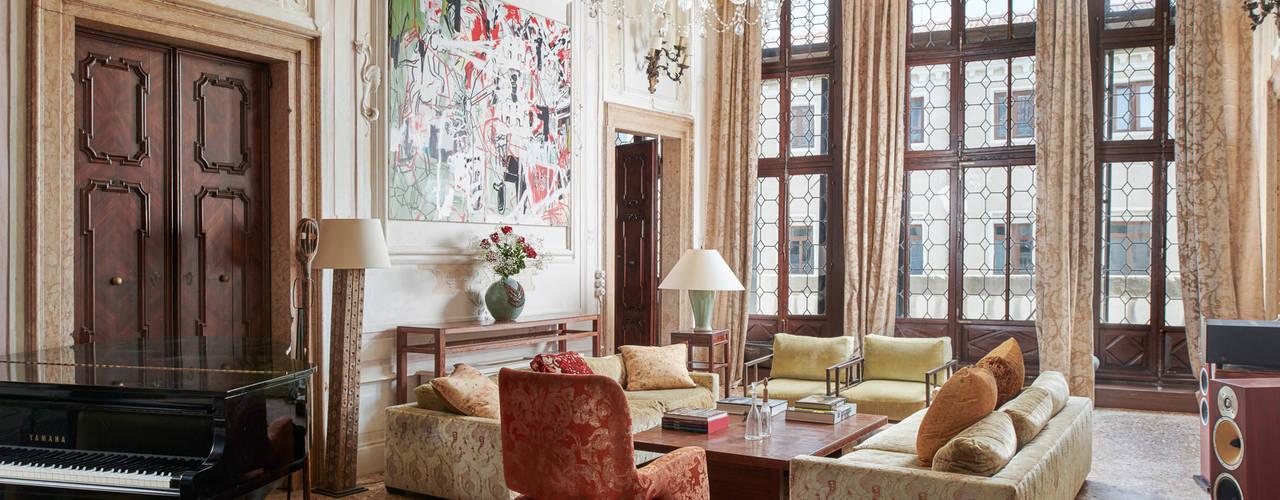 Palazzo Lena - Piano Nobile, Venice Colin Dutton Living room Amber/Gold