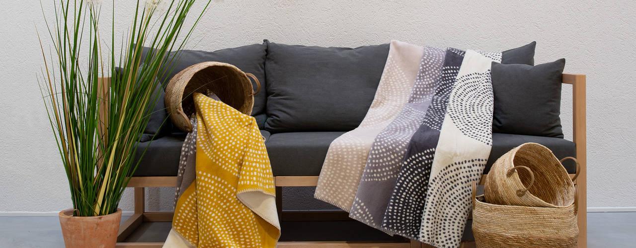 Natürlich Kuscheln - Wolldecken & Plaids Moderne Wohnzimmer von Allnatura Modern
