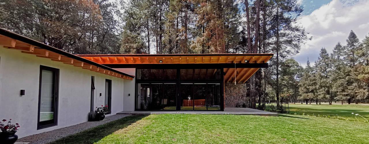 Casa en la Montaña Mexa Arquitectos Casas modernas