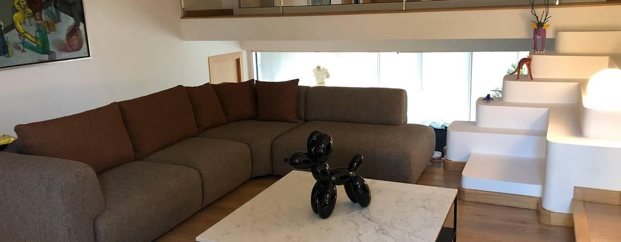 Arquitectura | Casa Amarilla Ana Salomé Branco Salones de estilo minimalista Mármol Blanco
