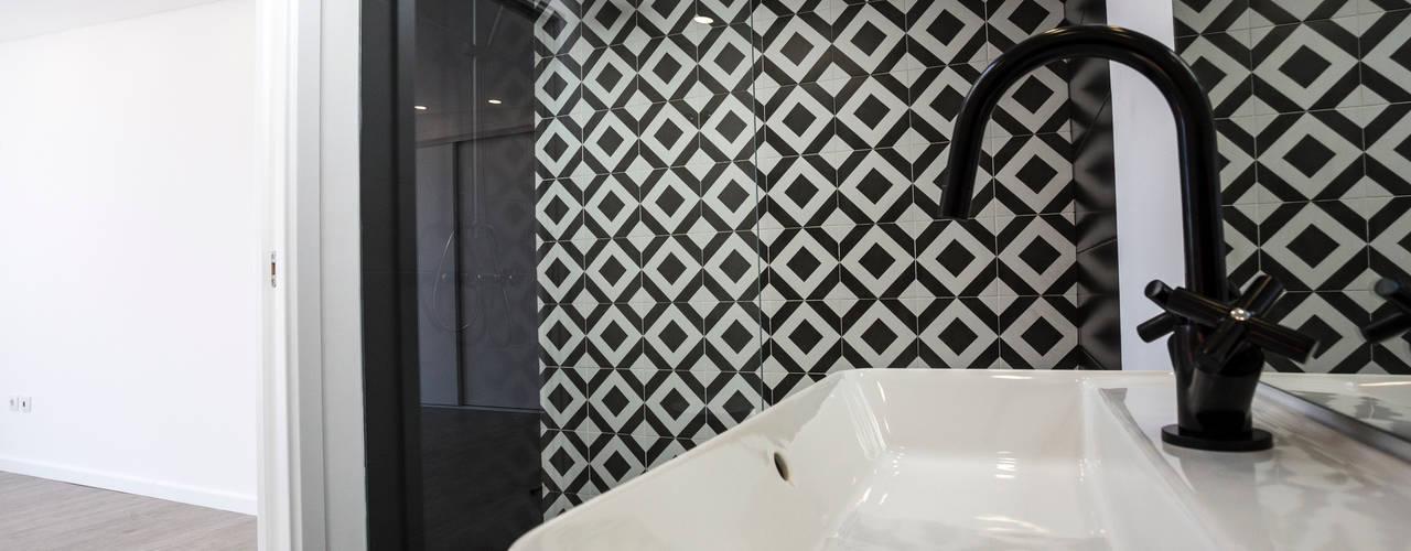 Construção de Moradia unifamiliar - Silveira Torres, Vedras Decor-in, Lda Casas de banho modernas