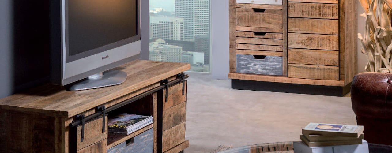 Mobili porta tv industrial vintage :  in stile industriale di nuovimondi di Flli Unia snc, Industrial