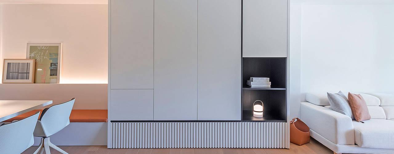 Reforma parcial del apartamento en Campoamor Salones de estilo moderno de MANUEL GARCÍA ASOCIADOS Moderno