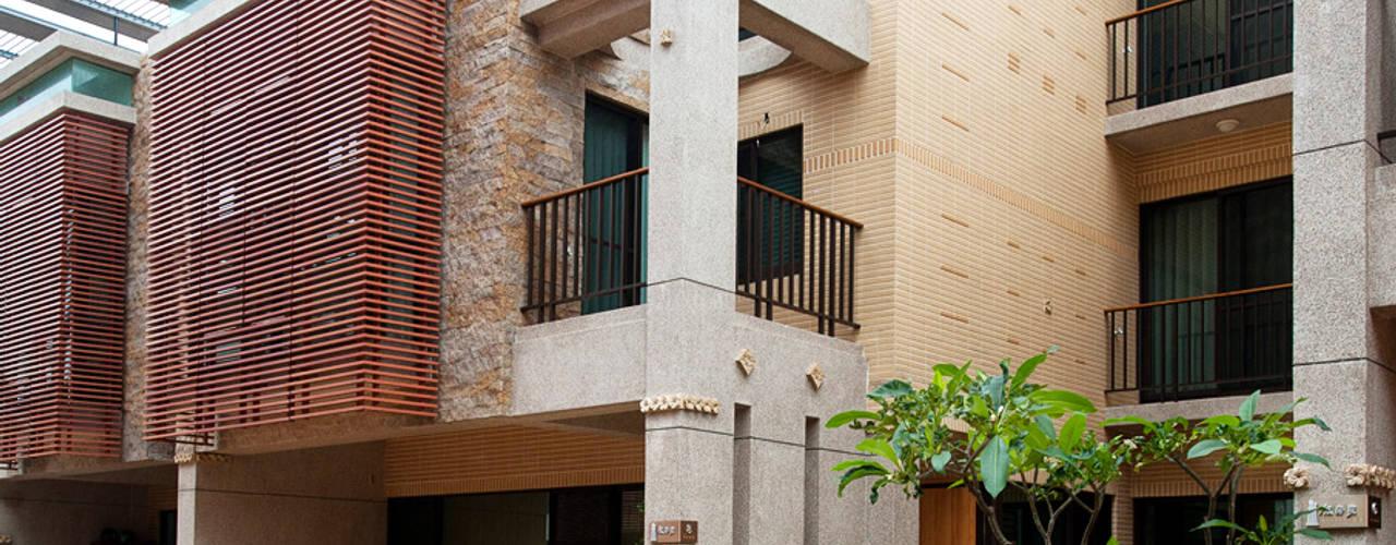 木耳生活藝術-建築設計暨室內設計/雲居蔚藍 現代房屋設計點子、靈感 & 圖片 根據 木耳生活藝術 現代風