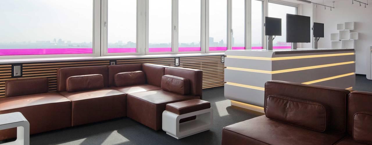 TREASURE ISLAND Moderne Bürogebäude von _WERKSTATT FÜR UNBESCHAFFBARES - Innenarchitektur aus Berlin Modern