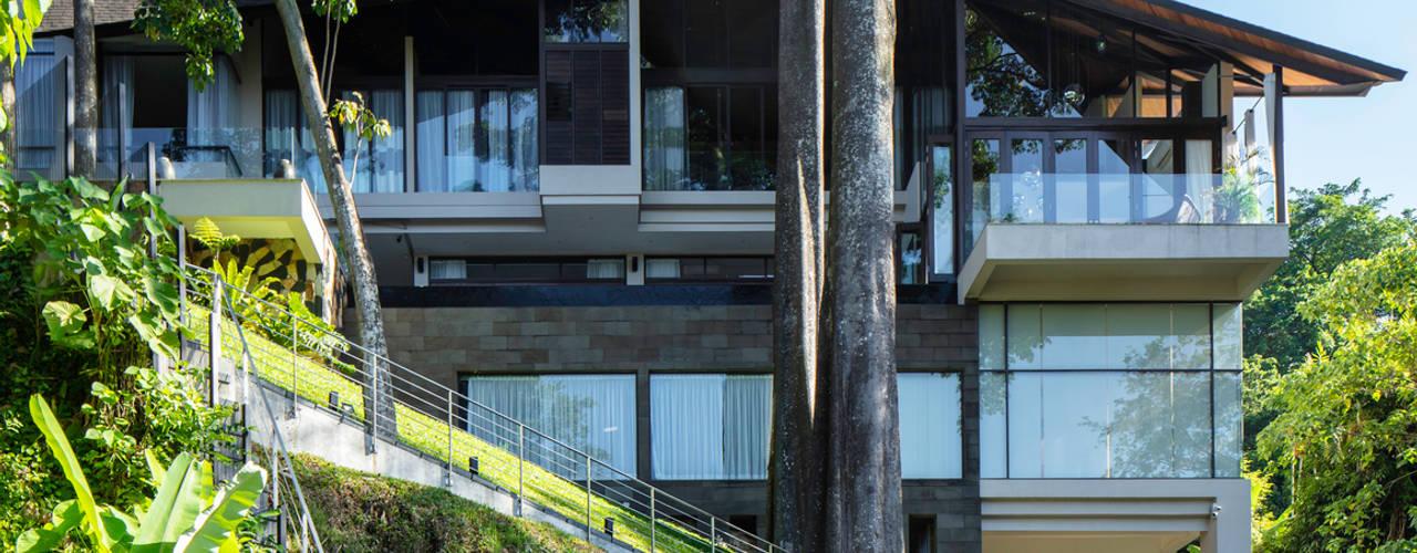 Canopy House - Kuala Lumpur Tropical style houses by MJ Kanny Architect Tropical