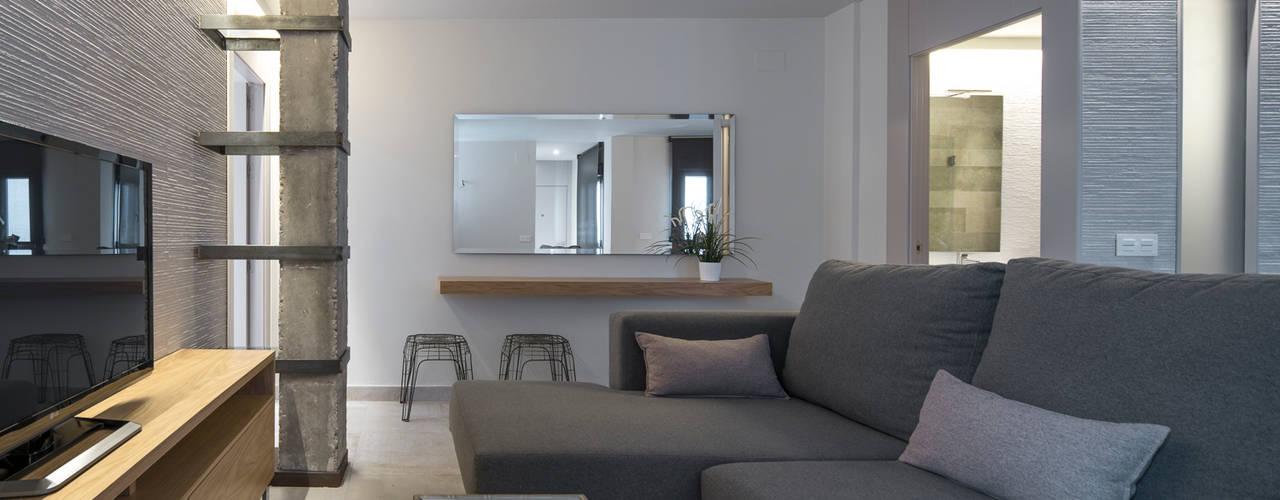 Reforma integral y poyecto llave en mano de piso de 70m2 en Sevilla Salones de estilo moderno de Antonio Calzado 'NEUTTRO' Diseño Interior Moderno