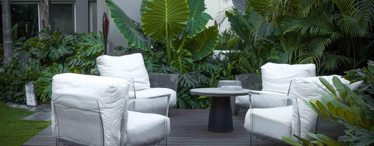Casa LT • Proyecto Residencial // SPGG. de Canelo exteriores Moderno