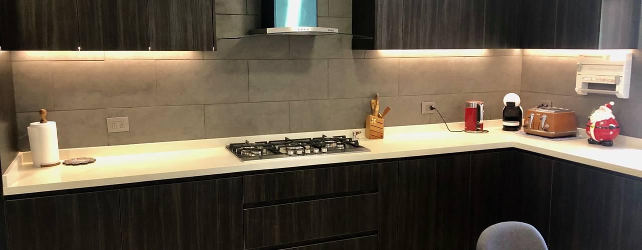 Remodelación Cocina Huechuraba Cocinas de estilo moderno de balConcept SpA Moderno