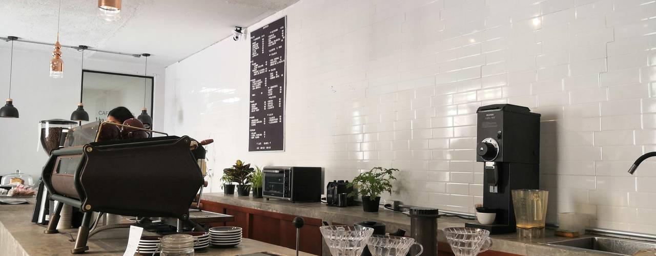 Koffein de Boom Taller de Arquitectura Minimalista
