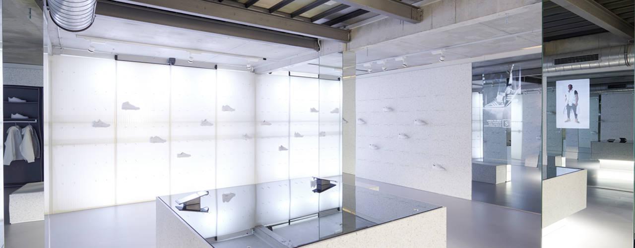 SLFT Flagship Store Studio DLF Moderne Ladenflächen
