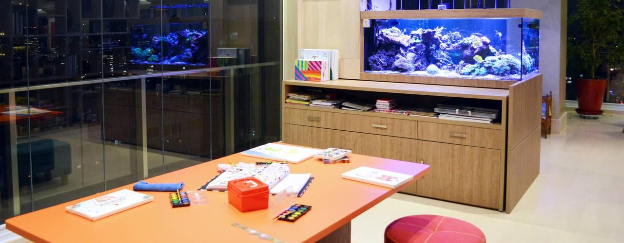 Home Office - O novo ambiente mais importante da casa Escritórios modernos por Adriana Scartaris: Design e Interiores em São Paulo Moderno