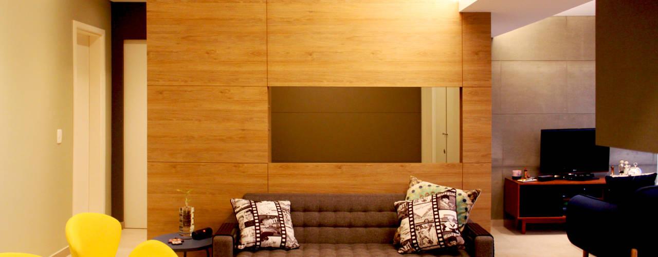 Reforma Residencial: Este pequeno apartamento ganha amplos espaços com um projeto bem planejado. por Marcos Takiguthi Arquiteto