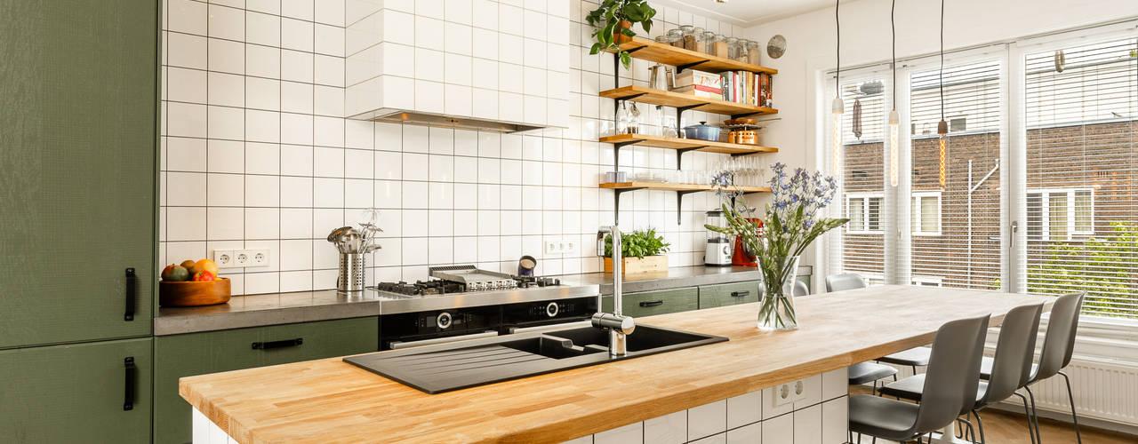 Appartement Amsterdam van ÈMCÉ interior architecture Modern