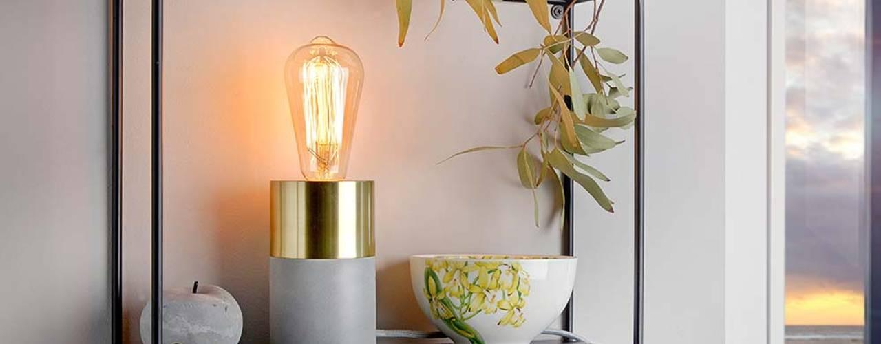 Lichtgestaltung in der Küche, dem Wohn- und Essbereich: industriell  von Skapetze Lichtmacher,Industrial