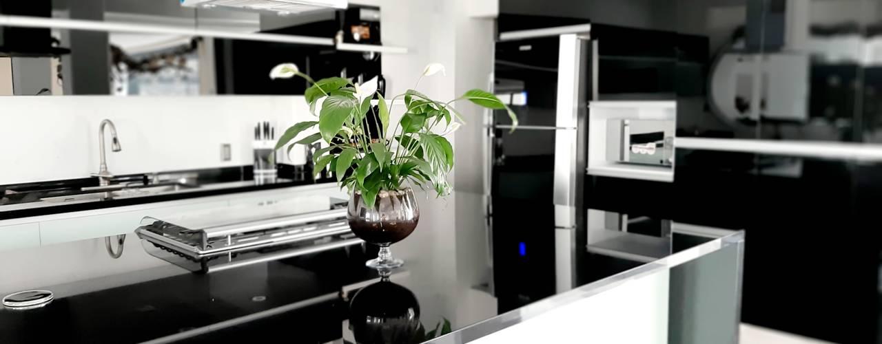 Ambientación de Cocina Integral de Cristal Grupo V í m a r t Cocinas equipadas