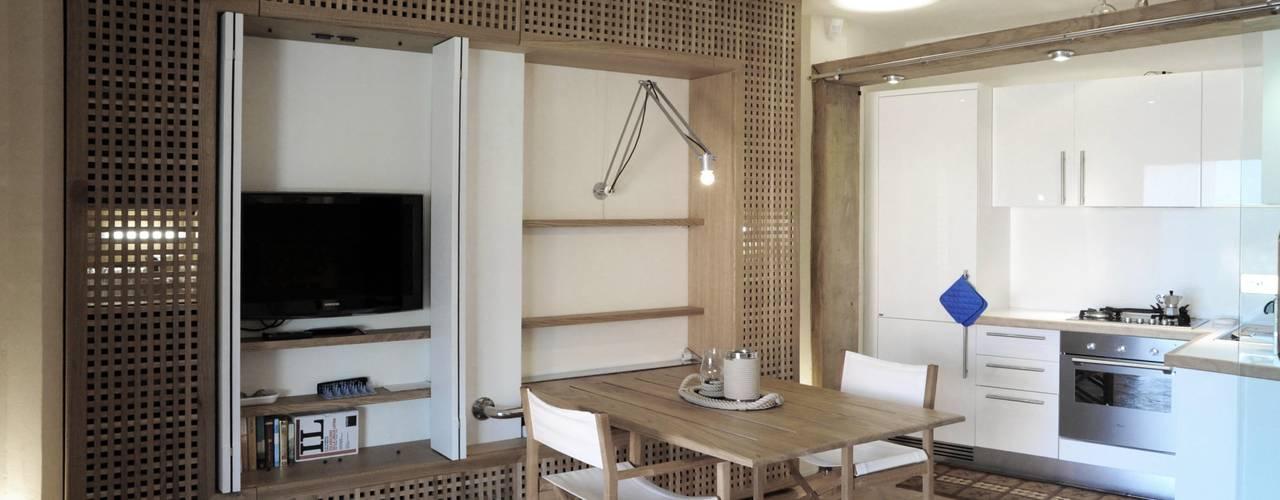 Architetto Alessandro spano Гостиная в средиземноморском стиле