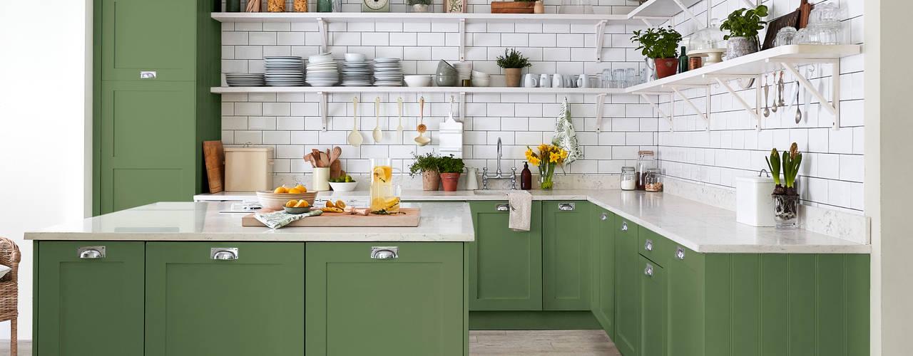 Devon Green Kitchen for Sanderson Paint Nhà bếp phong cách đồng quê bởi Alice Margiotta Đồng quê
