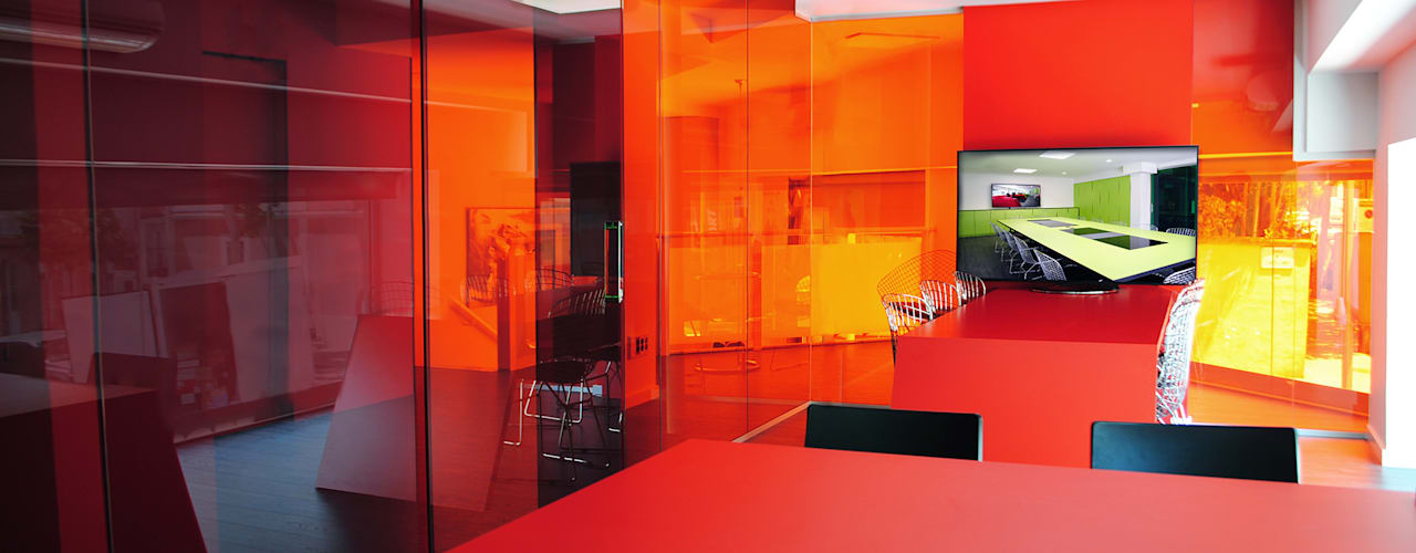 MANUEL TORRES DESIGN Industrial style offices & stores Red