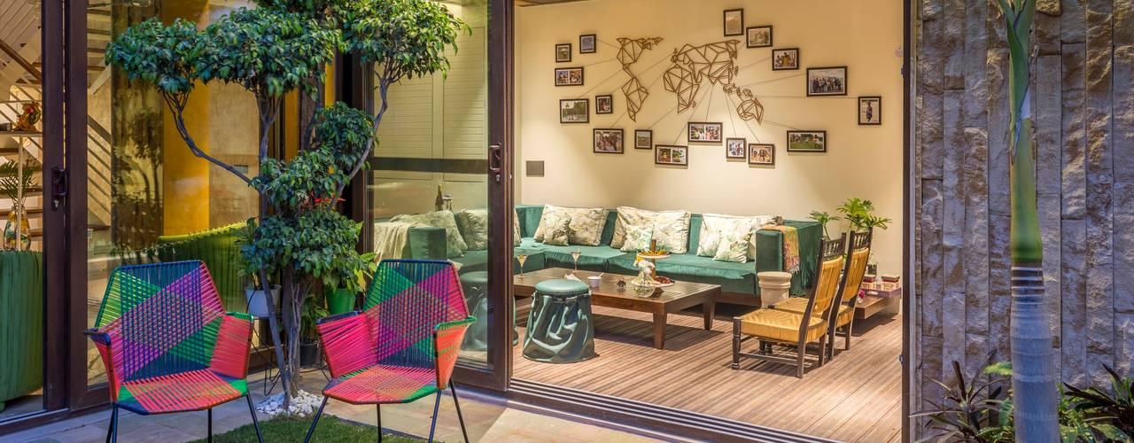 Indoor-Outdoor Villa Modern living room by Art Space Design studio Modern