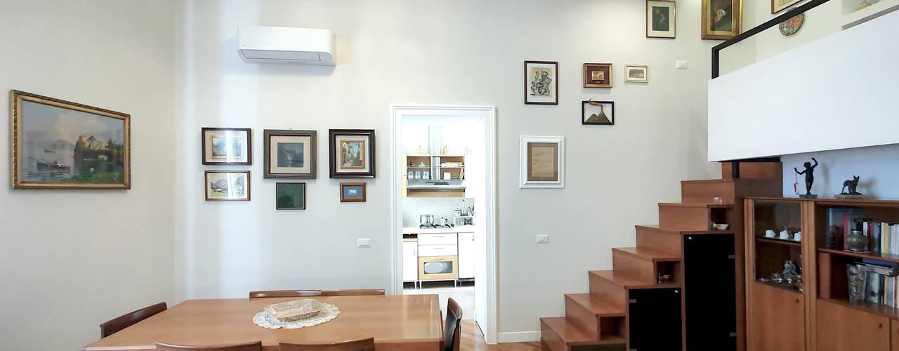 Appartamento Vomero arch. Lorenzo Criscitiello Sala da pranzo moderna