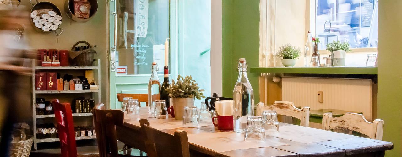 HYGGE ITALIANO BollaNomade Bar & Club in stile rustico Legno Verde