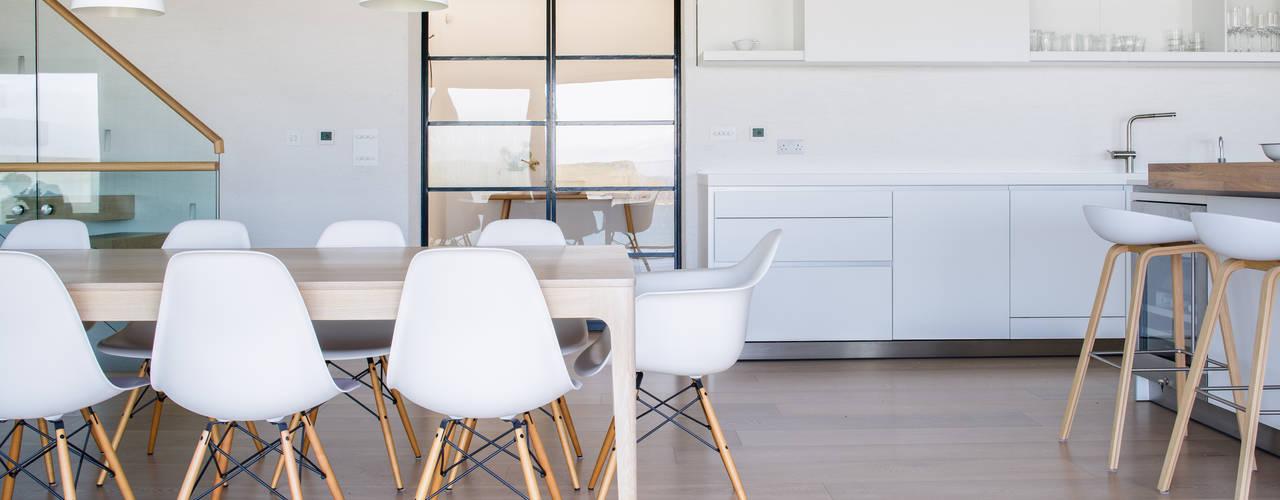 Seaside New-build Sustainable Property in Polzeath - Cornwall Dapur Modern Oleh Arco2 Architecture Ltd Modern
