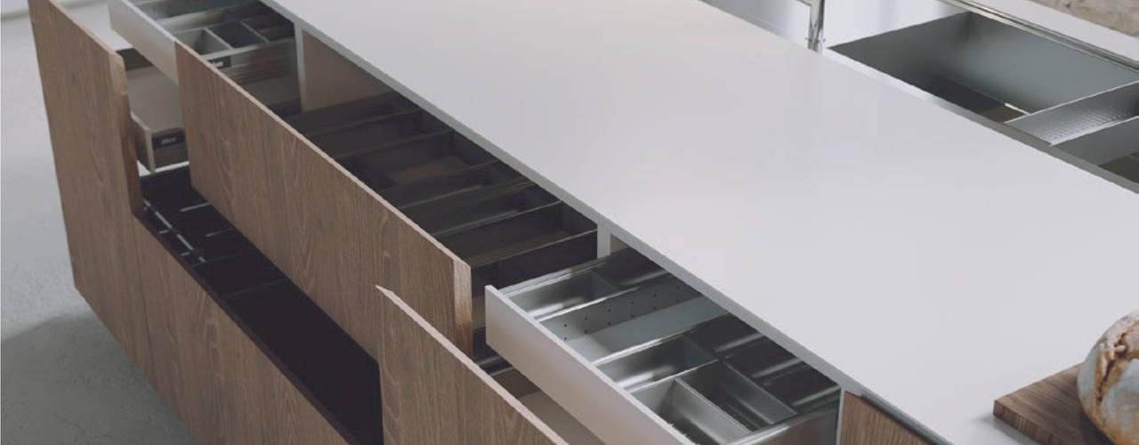 LINEA | M1 Mandarò cucine Cucina attrezzata Legno massello Bianco
