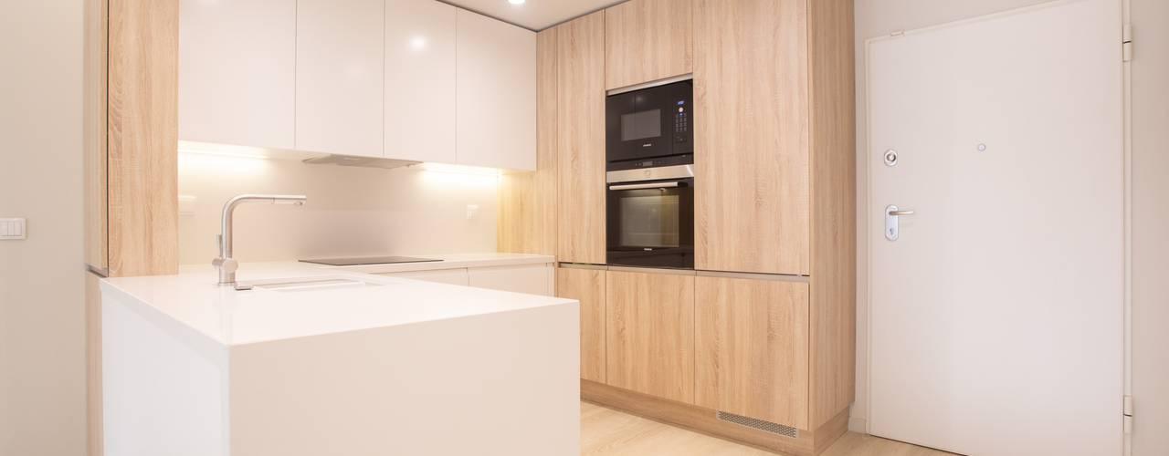 Propriété Générale International Real Estate Modern style kitchen