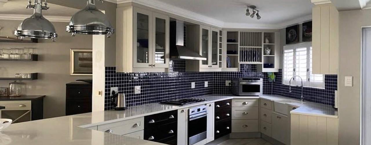 Its a blue 2021 CS DESIGN Modern kitchen