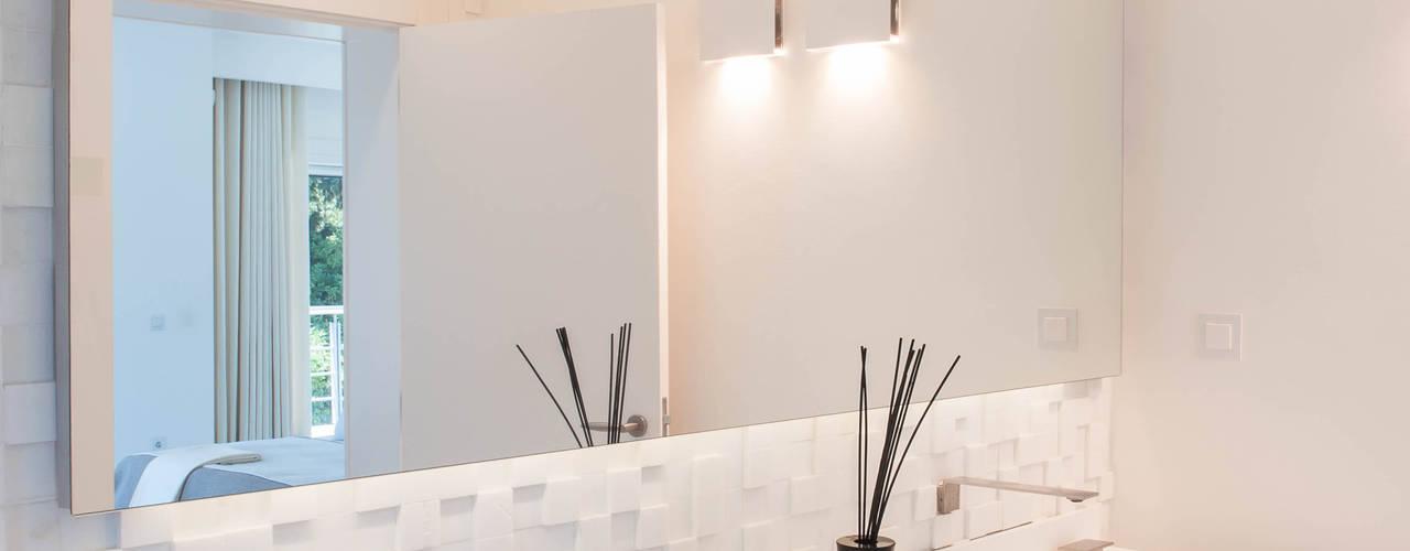 Casas de Banho Atelier Renata Santos Machado Casas de banho modernas Branco